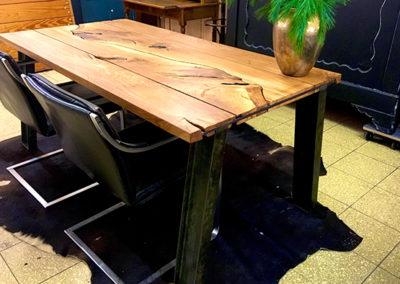 Möbeltante - Tisch - Massivholz - Metall - Eiche