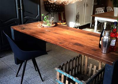 Möbeltante - Tisch - Massivholz - Metall - Esstisch