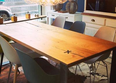 Möbeltante - Tisch - Massivholz - Skandinavian Design