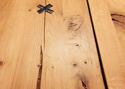 Möbeltante - Zeitraum - Eupen - Holzplatte - Tisch - Details