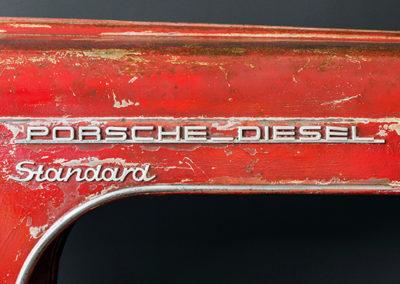 Porsche - Bar - Detail